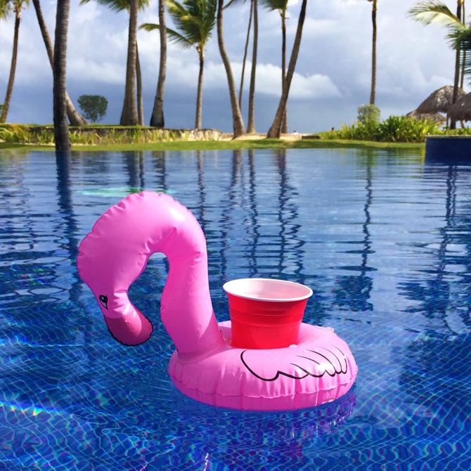 colchonetas_hinchables_piscina_playa_para_grupos_con_hueco_bebidas_hielos_23