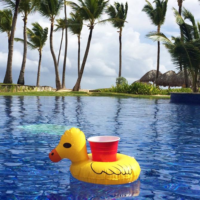 colchonetas_hinchables_piscina_playa_para_grupos_con_hueco_bebidas_hielos_39