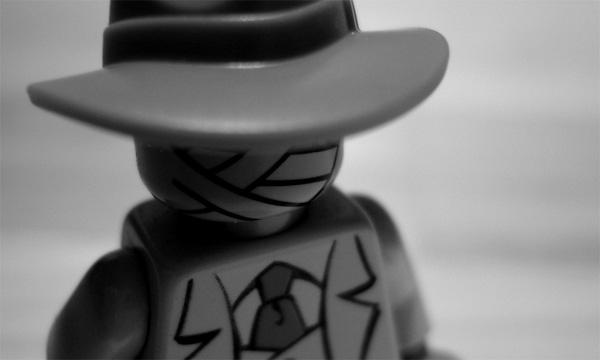 fotos_recreaciones_peliculas_con_lego_munecos_alex_eylar_el_hombre_invisible