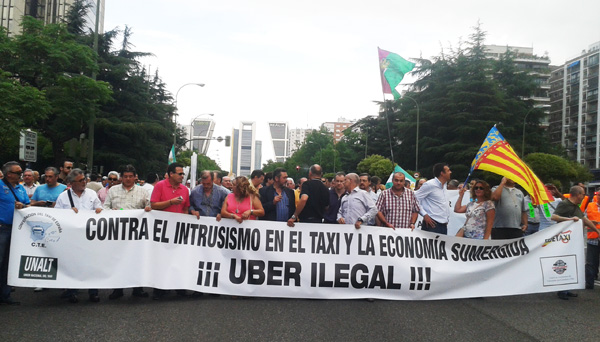 protestas_taxistas_contra_uber_manifestacion_madrid_marcha_taxis_6