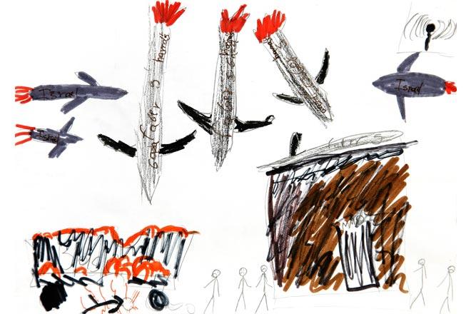 war_toys_fotografo_brian_mccarty_recrea_escenas_guerra_con_juguetes_12