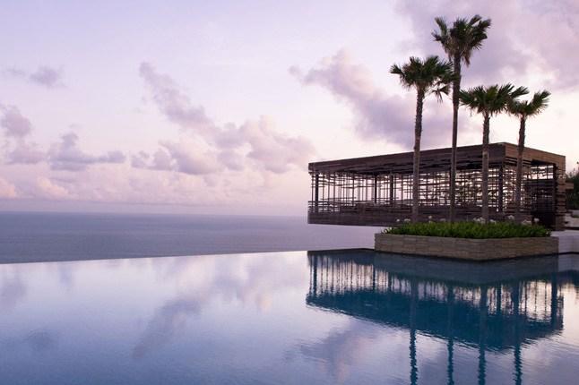 Fotos de las mejores piscinas del mundo - Alila Villas Uluwatu, Bali, Indonesia