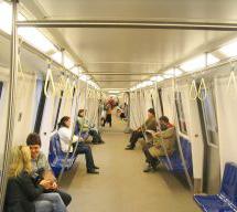 Fíjate en las peronas que viajan en Metro...