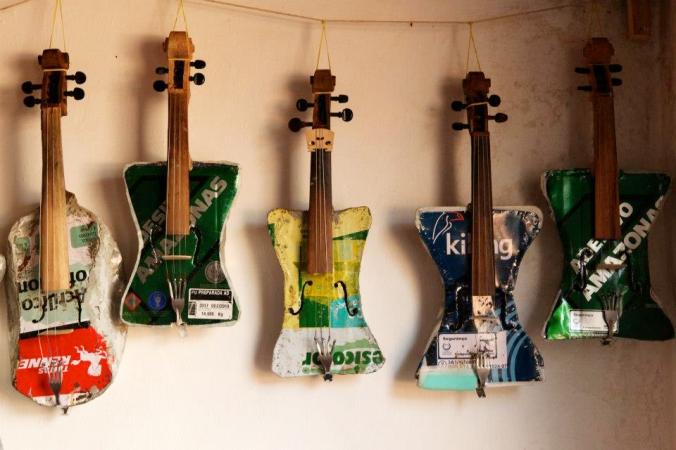 orquesta_instrumentos_reciclados_land_fillharmonic_uruguay_vertedero_cateura_12
