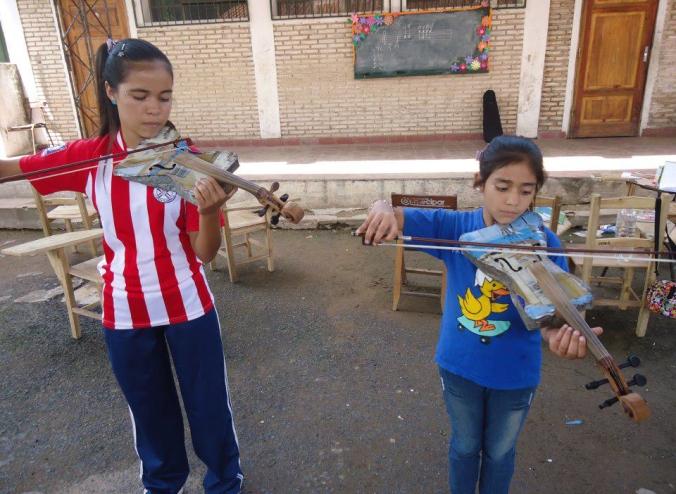 orquesta_instrumentos_reciclados_land_fillharmonic_uruguay_vertedero_cateura_13