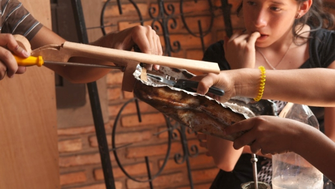 orquesta_instrumentos_reciclados_land_fillharmonic_uruguay_vertedero_cateura_8