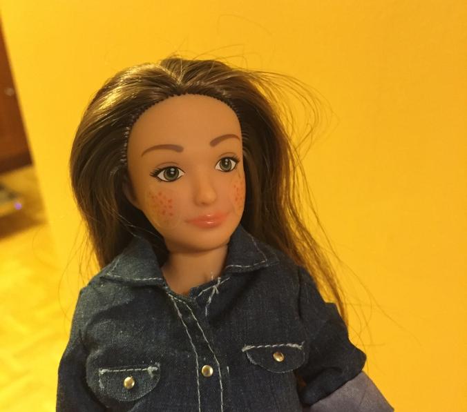 lammily_barbie_tamano_mujer_real_y_con_defectos_pecas