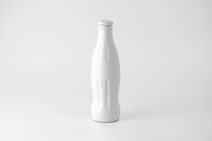 coca_cola_objetos_marcas_pintados_de_blanco